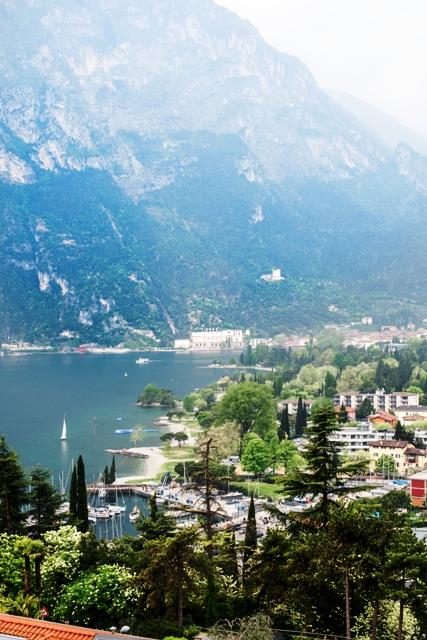 Riva del Garda miestelis Italijoje prie Gardos ežero