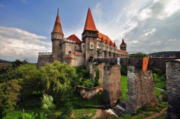 Huniadų pilis, Rumunija