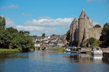 Kruizai laiveliais upėmis, ežerais, kanalais