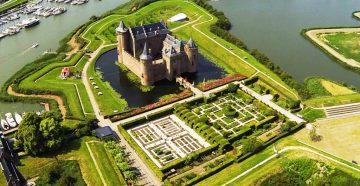 Muiden pilis, Olandija