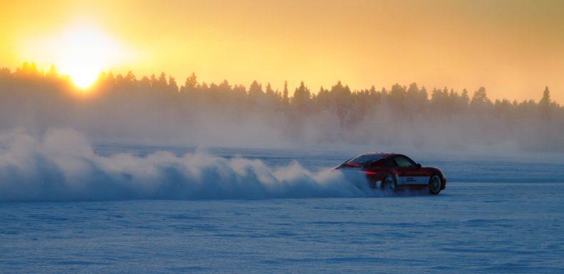 Suomija ralis žiemą
