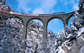 Bernina Express traukinių linija