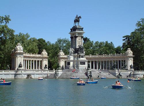 Nemokamai lankytinos vietos madride kelioni for Parque del retiro barcas