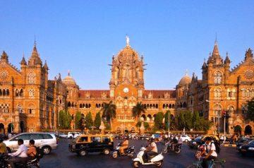 Mumbajaus Chhatrapati Shivaji Terminus traukinių stotis,Indija