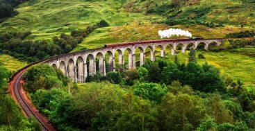 Traukiniu po Didžiąją Britaniją. Glenfinano viadukas, Škotija