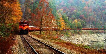 Traukiniu po nepažintas vietas