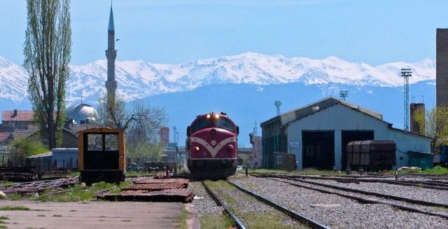 Traukiniu po Balkanus